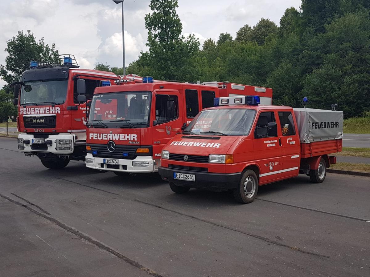 Feuerwehr 3 autos diagonal